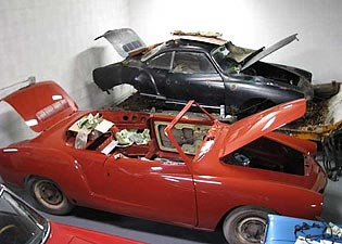 1962 VW Karmann Ghia Convertibles in restoration